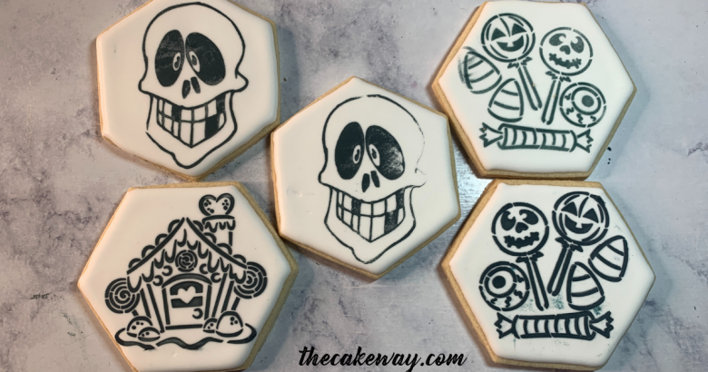 How to Decorate PYO Cookies Two Ways | How to Decorate PYO Cookies with Two Ways brings an element of DIY and the richness of gift-giving all rolled up into this one cookie set. | https://thecakeway.com/how-to-decorate-pyo-cookies-two-ways/